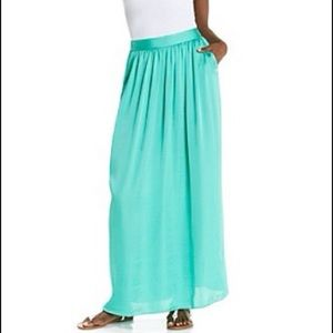 Green gem maxi skirt with pockets!